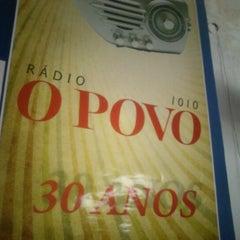 Photo taken at Rádio O POVO CBN Fortaleza FM 95.5 by Gustavo A. on 12/28/2012