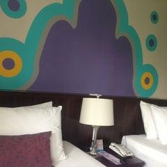 Photo taken at Sawardee Hotel - Sukhumvit by BòómBimm O. on 4/6/2013