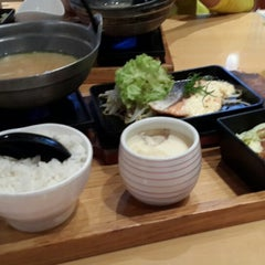 Photo taken at Tokyo Shokudo (吉野食堂) by Yumi L. on 7/1/2013