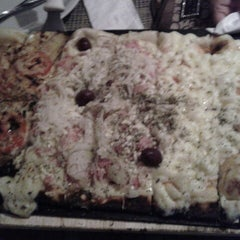 Photo taken at Candeeiro Pizza & Crepe by Mirella M. on 12/29/2012
