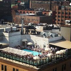 Photo taken at Soho House Rooftop by Vagabundo👣 on 6/22/2013