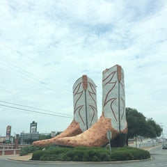 Photo taken at World's Largest Cowboy Boots by Lisa B. on 7/17/2014