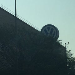 Photo taken at Volkswagen do Brasil by Giraya .. on 9/25/2015