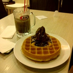 Photo taken at A&W by Revi M. on 12/9/2012