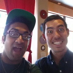 Photo taken at Mugs Coffee Lounge @ The Oval by Perdeep B. on 6/18/2013