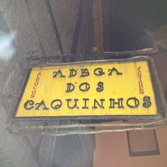 Photo taken at Adega dos Caquinhos by Ricardo L. on 9/29/2012