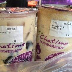Photo taken at Chatime by Simon W. on 2/26/2015