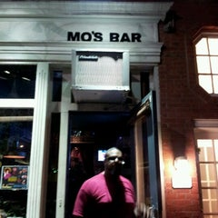 Photo taken at Mo's Fort Greene by Armel M. on 9/21/2012