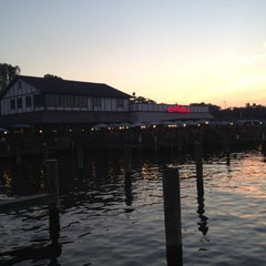 Photo taken at Mike's Crabhouse by Torstein B. on 10/5/2012
