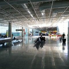 Photo taken at Aeropuerto de Fuerteventura (FUE) by Tobias on 9/29/2012