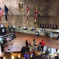 Photo taken at WMATA Red Line Metro by dine l. on 8/23/2014