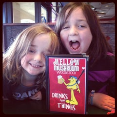 Photo taken at Mellow Mushroom by Jessica D. on 4/4/2013