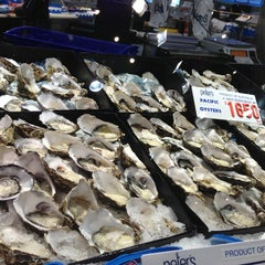 Photo taken at Sydney Fish Market by Angelina W. on 7/12/2013