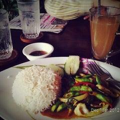 Photo taken at ร้านอาหารบังฝรั่ง (Bang Farang Restaurant) by Tull H. on 12/15/2012