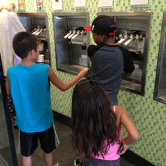 Photo taken at Yogurtland by Ronnie A. on 7/2/2013