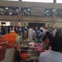 Photo taken at الاشاره المقابله لسوق السمك by Mishal M. on 8/20/2014
