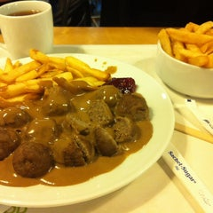 Photo taken at IKEA Restaurant & Cafe by Hood I. on 3/29/2013