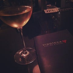 Photo taken at Vinoteca Wine Bar & Bistro by Elizabeth G. on 10/16/2012