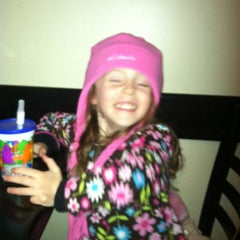 Photo taken at Dom's N.Y. Style Pizzeria by Kelly T. on 11/19/2012