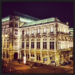 Photo taken at Wiener Staatsoper by Sérgio G. on 12/30/2012