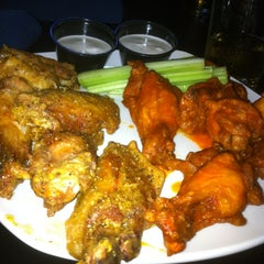 Photo taken at Halftime Sports Pub by William A. on 10/7/2012