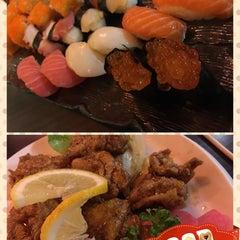 Photo taken at Hana Japanese Restaurant by Margareth V. on 3/10/2015