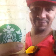 Photo taken at Starbucks by Lawrence H. on 9/6/2013