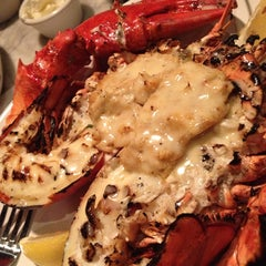 Photo taken at Sea Catch Restaurant & Raw Bar by Josei ==> @ShoesNFood w. on 7/2/2013