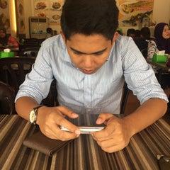 Photo taken at Restoran Cina Muslim Mohd Chan Abdullah by Nurrin A. on 4/27/2015