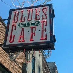 Photo taken at Blues City Cafe by Eddie W. on 7/15/2013