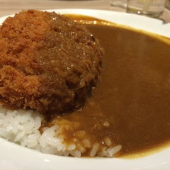 Photo taken at CoCoICHIBANYA (โคโค่อิฉิบันยะ) by Nacarate H. on 11/12/2015