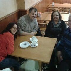 Photo taken at Cafeteria Chapeau by Iñaki Q. on 2/24/2013