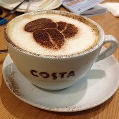 Photo taken at Costa Coffee (Коста Кофе) by Katia K. on 2/3/2013