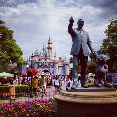 Photo taken at Disneyland by Mateus S. on 7/1/2013