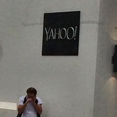 Photo taken at Yahoo! Sign by Christine N. on 3/20/2015