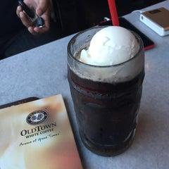 Photo taken at OldTown White Coffee by CikLily P. on 5/12/2015