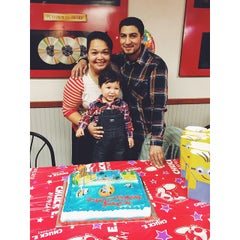 Photo taken at Chuck E. Cheese's by Miguel C. on 12/31/2014