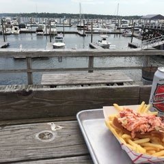 Photo taken at Butler's Flat Clam Shack by Ross S. on 5/12/2015