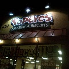 Photo taken at Popeye's Louisiana Kitchen by Nuning  i. on 8/23/2013