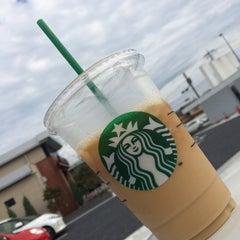 Photo taken at Starbucks Coffee 草津国道1号店 by 十級 習. on 9/26/2015