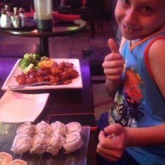 Photo taken at Iron Chef Japanese Cuisine by Carri on 7/9/2015