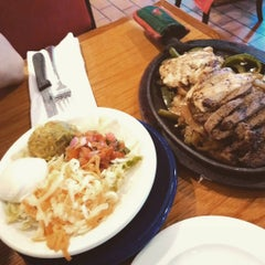 Photo taken at Chili's Grill & Bar by Hans S. on 8/2/2015