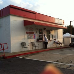 Photo taken at Wings & Burger Haven by Danna N. on 9/15/2013