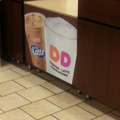 Photo taken at Dunkin' Donuts by Perry W. on 2/28/2013
