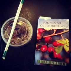 Photo taken at Starbucks by David E. on 5/5/2014