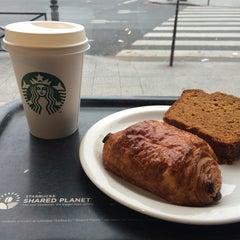 Photo taken at Starbucks by Virginie L. on 10/5/2014
