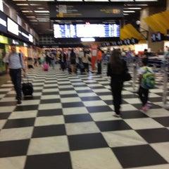 Foto tirada no(a) Check-in TAM por Dany B. em 10/18/2012