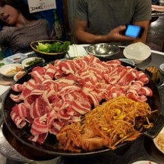 Photo taken at Honey Pig Gooldaegee Korean Grill by Seulah Rebecca C. on 10/27/2012