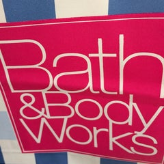 Photo taken at Bath & Body Works by Jacki P. on 7/13/2014