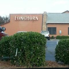 Photo taken at LongHorn Steakhouse by Scott T. on 10/13/2012